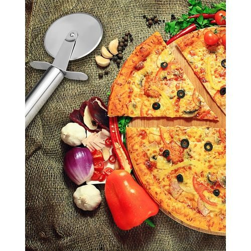 Stainless Steel Pizza Cutter1